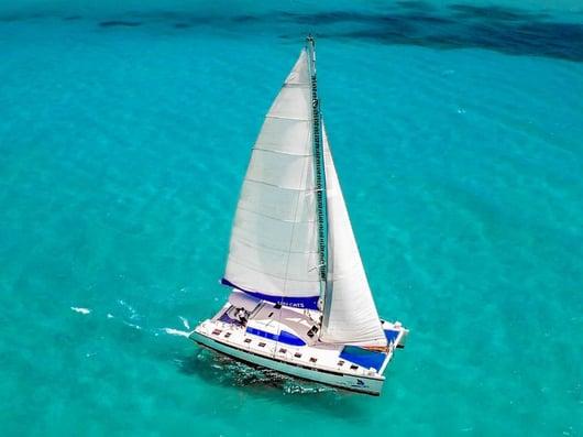 Luv Cats 800x600 - Isla Mujeres Catamaran Tour - Cancun Sailing
