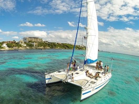 Max 800x600 - Isla Mujeres Catamaran Tour - Cancun Sailing