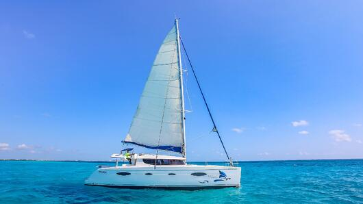 2 - LowRes Megaira- Private tour to Isla Mujeres in catamaran - Cancun Sailing