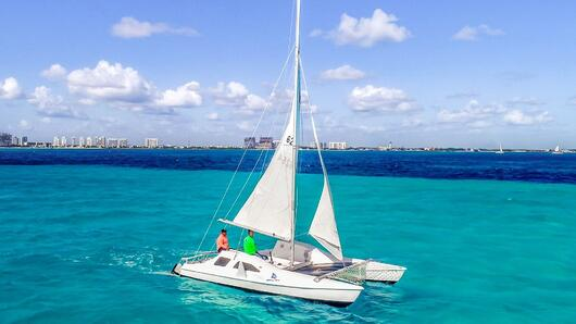 4 - LowRes - Private Isla Mujeres tour in catamaran - Seawind - Cancun Sailing